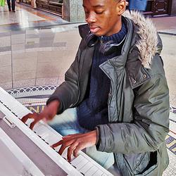 Leeds pianoman 3