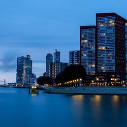 Rotterdam met De Hef en Erasmusbrug