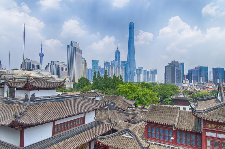 Modern & Classic Shanghai - Net zoals heel China is ook Shanghai een stad vol tegenstellingen: modern versus traditioneel en urban versus natuur.