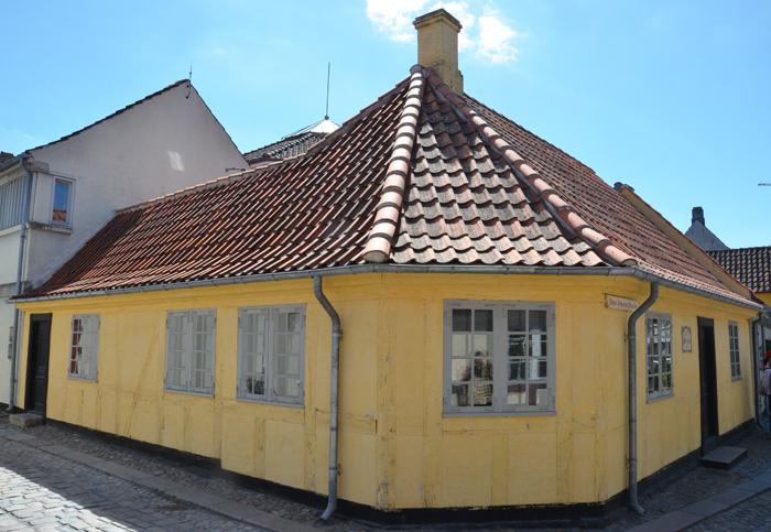 Odense: geboortehuis van Hans Christian Andersen - Het geboortehuis van de sprookjesverteller H.C. Andersen aansluitend op het museum.