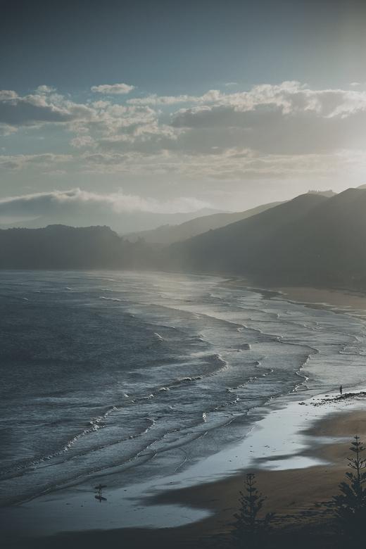 Last surf - Een rit over de Great Pacific road in Nieuw Zeeland geeft bijna zonder uitzondering geweldige zichten.