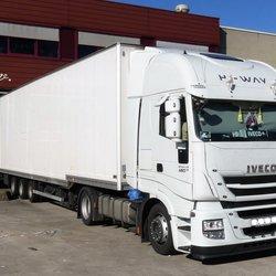 P1000975  TEST Trucktime  IVECO  bloemenveiling 6april 2018