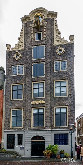 Dordrecht 4 -