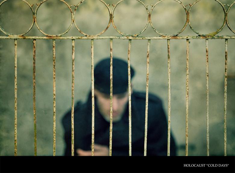 Holocaust &quot;the cold days&quot; - Uit de serie holocaust<br /> <br /> Wachten achter tralies wachten op de dood is alles wat er overblijft wat m