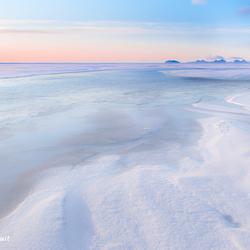 zonsopkomst boven de ijsvlakte
