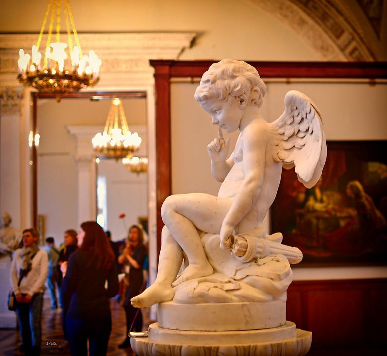 cupido - ook in de Hermitage word er aan gedacht, <br /> niemand ontkomt de liefde, <br /> zegt cupido<br /> met een lach op zijn gezicht