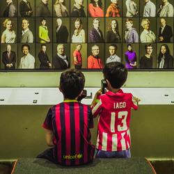 jongetjes interactief in museum