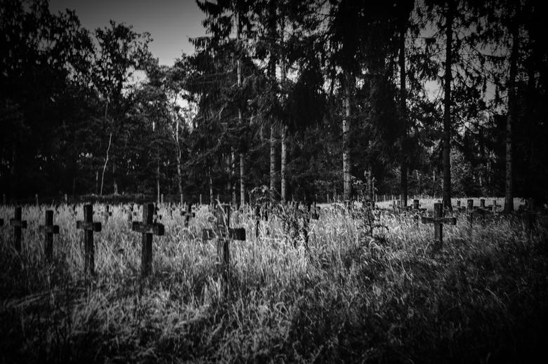 psychiatric cemetery - En toen werd het stil !!