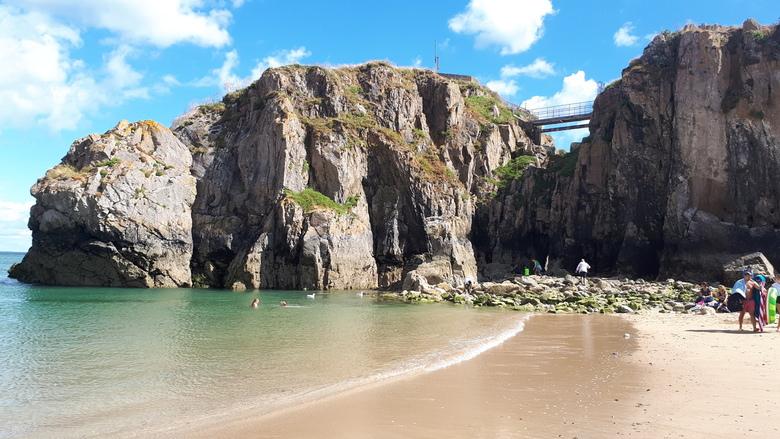 Tenby Wales - Prachtige kustlijn in het plaatsje Tenby in Wales
