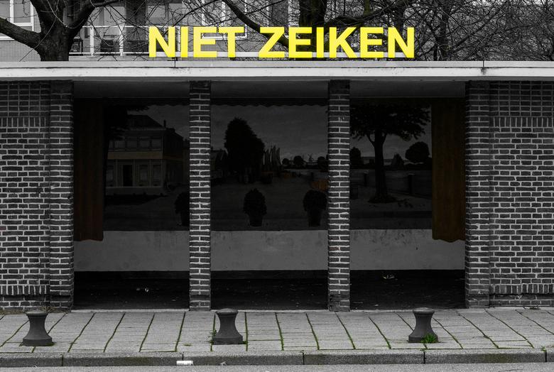 Het schreihuisje in Schiedam - Typisch Schiedams   ???   https://www.schiedamsnieuws.nl/onthulling-expositie-niet-zieken-in-schreihuisje-schiedam/