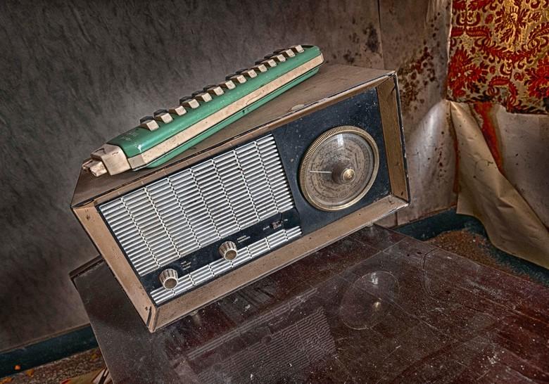 Zo'n radio's maken ze niet meer - ...hier speelde geen muziek meer uit!