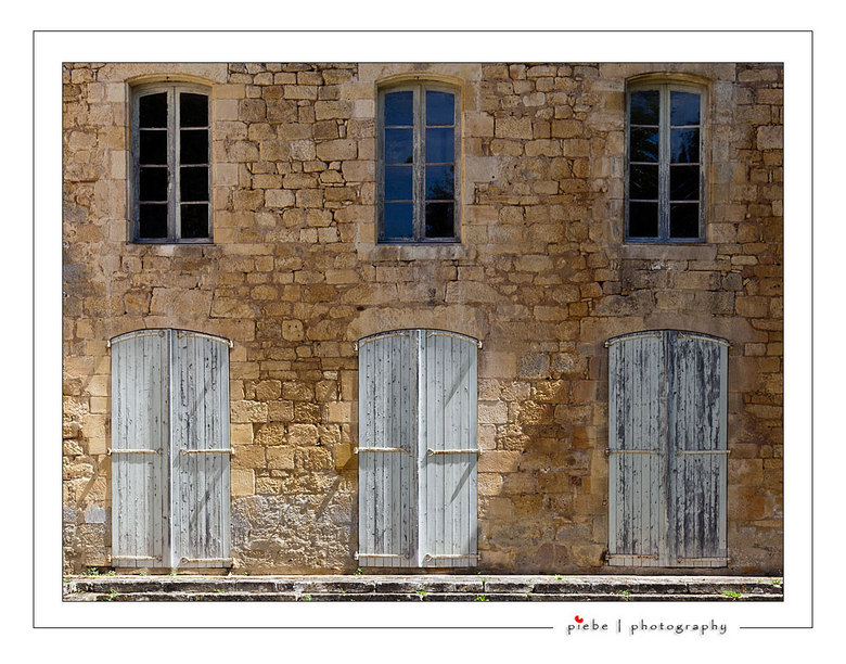 Deuren kasteel Frankrijk - Tijdens mijn vakantie in Frankrijk van 2011 kwam ik deze deuren tegen in een kasteel.<br /> <br /> Groet Piebe