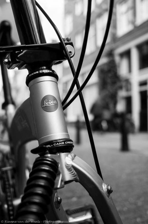 """Leica 100 jaar! - Gisteren ging ik naar de Leica POP-UP shop in Amsterdam om de workshop """"LEICA X - PERIENCE PHOTOWALK"""" te volgen. Daar moch"""