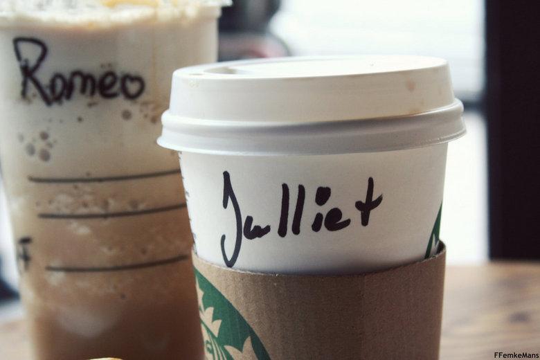 'Romeo And Julliet' Starbucks - naar amsterdam met een vriend natuurlijk eerst even langs de starbucks gaan !