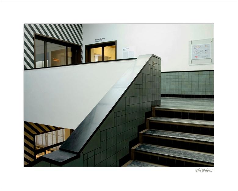 BERLAGE  16 - Ik ga nog even door met de trappenhuizen,leuk en leerzaam om de verschillende reacties te lezen, bedankt <br /> gr.dora