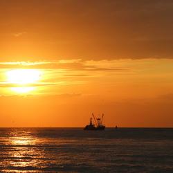 Golden hour @ Breskens Sea