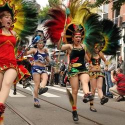 Dansen bij het Zomercarnaval