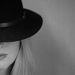 Hat (2020)