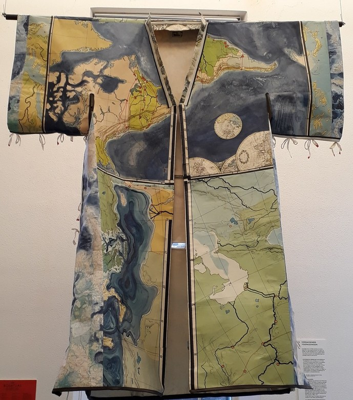 20190718_113641 - Een tentoonstelling in het Grafisch museum van Groningen waarin mijnheer Bos ,van de atlassen, geëerd   wordt met een tentoonstellin