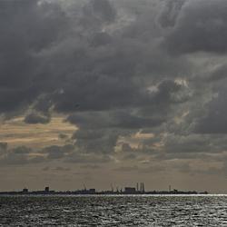 Licht op de Waddenzee bij Den Oever