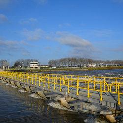 Stuw in de Maas bij Belfeld.