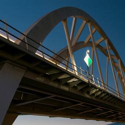 Een brug dichtbij