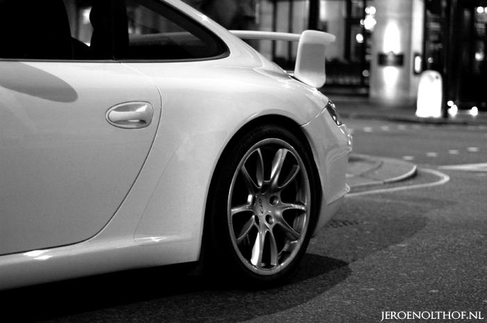Porsche 997 GT3 - Londen, Piccadilly. Op de achtergrond is het beroemde Ritz hotel. Wegens het ontbreken van een statief toch nog het een en ander gep