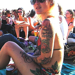 meisje met de tatoos