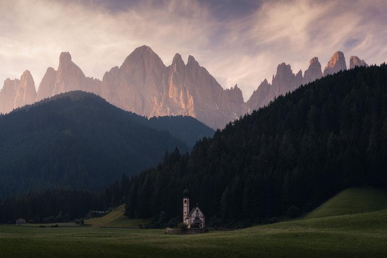 Sound of Silence - Wederom een klassiekertje uit de Dolomieten. Ondanks dat deze foto ontelbaar keer is genomen ben ik toch wel blij dat ik m heb <img