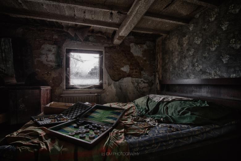 Bedroom Games - Obscure slaapkamer waar spelletjes zijn gespeeld....