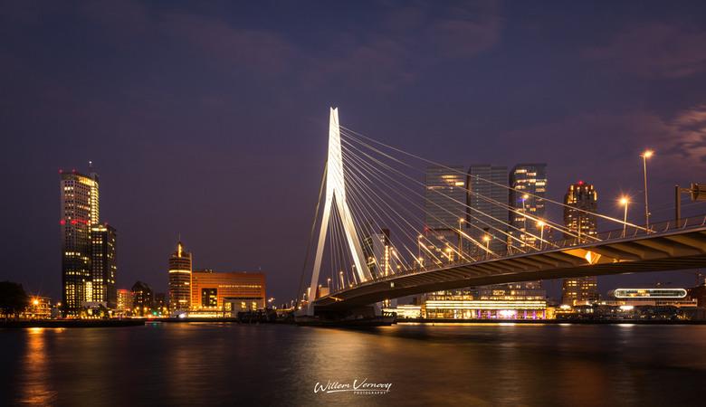 Zwoele avond in Rotterdam,..... -