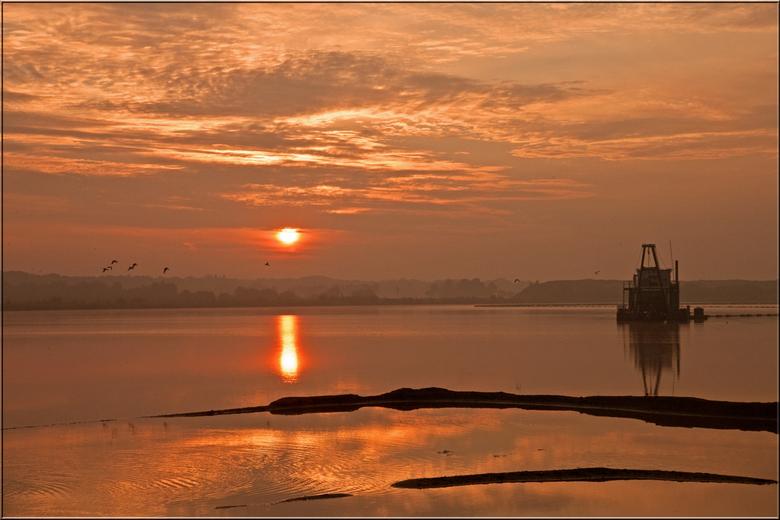 Fire! - Vanmorgen genoten van de prachtige zonsopgang.<br /> Bedankt voor de reacties op mijn vorige uplaod.