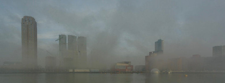 Mistig Rotterdam - Rotterdam op een mistige morgen.