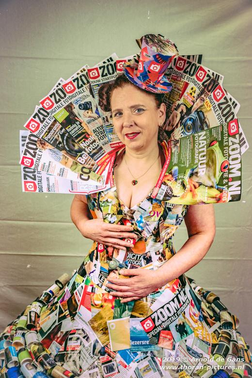 Zoom Kostuum - Met oudere edities van Zoom magazine een prachtig kostuum gemaakt voor een thema fotoshoot.
