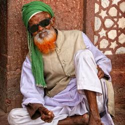 A colorful beard