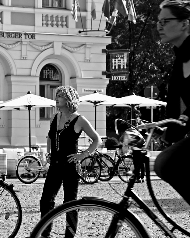 Berlijn 64 - Bij de Brandenburger Tor in potsdam.