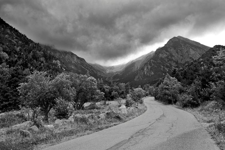 Spanje - In de bergen achtervolgt door de wolken