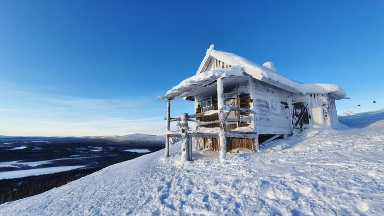 Santa's house in Levi Lapland - Boven op de skipiste....