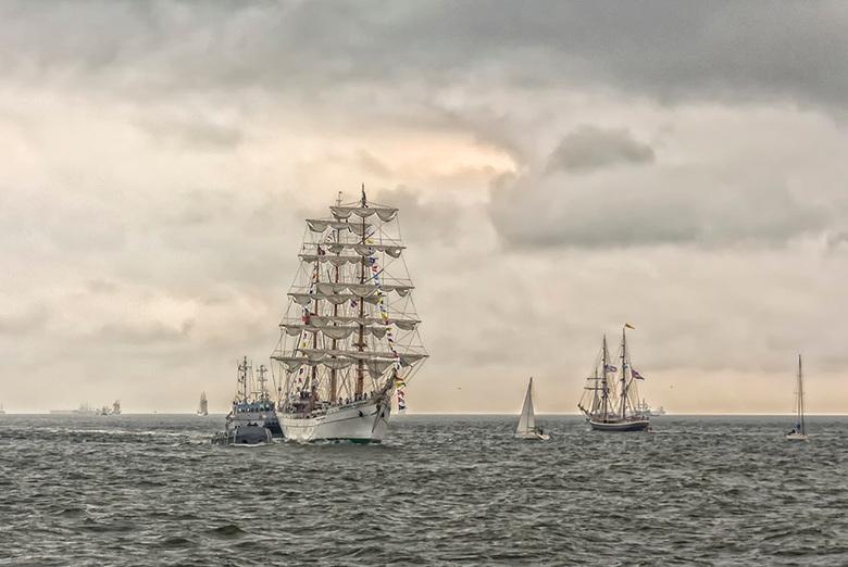 Liberty Tall Ships Regatta - Vandaag naar de binnenkomst van de LibertyTall Ships wezen kijken bij de haven van Scheveningen. <br /> Samenvallend met