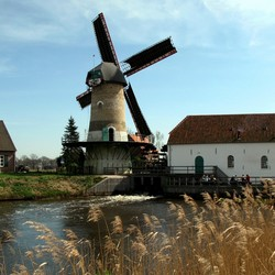 Water/windmolen