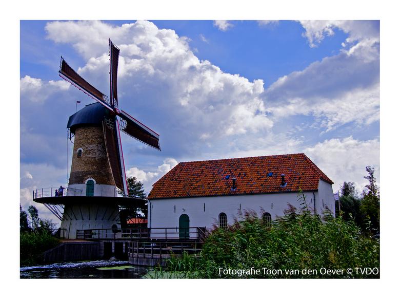 Kilsdonkse molen - De Kilsdonkse Molen is een unieke combinatie van een watervlucht-korenmolen en een watergedreven oliemolen. De korenmolen heeft een