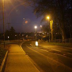 straat in noord ierland avond