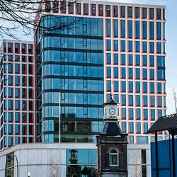 Stadhuis Almelo met Kunst-Torentje op voorgrond
