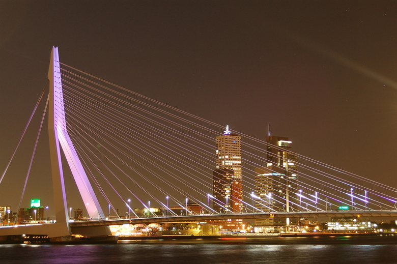 Erasmusbrug by night -