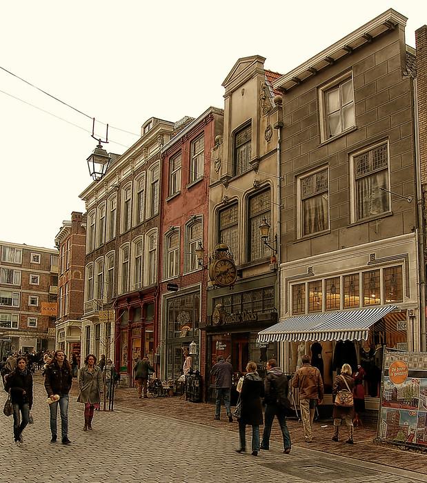 Nijmegen centrum - Nijmegen centrum, vond de oude gebouwen zo mooi, vooral die klok!<br /> <br /> Bedankt voor jullie eerdere reacties!
