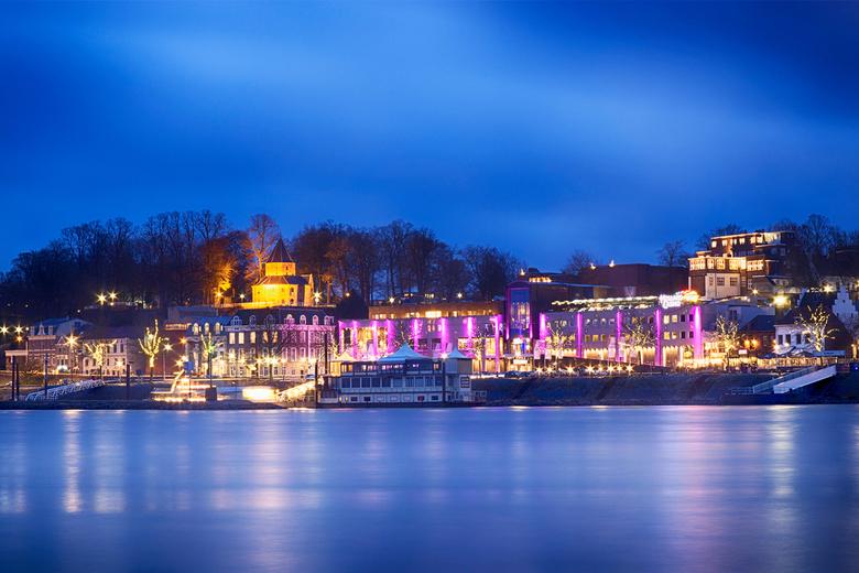 Waalkade Nijmegen - Nijmegen by night