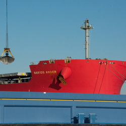 Navios Amber en binnenvaart